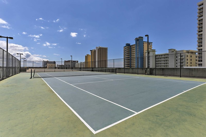 Tennis players, be sure to bring your rackets!