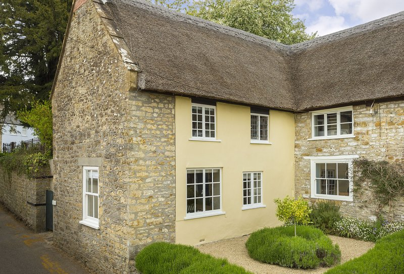 Pear Tree Cottage (Dorset), vacation rental in Hooke