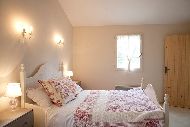 cool bedroom with ensuite