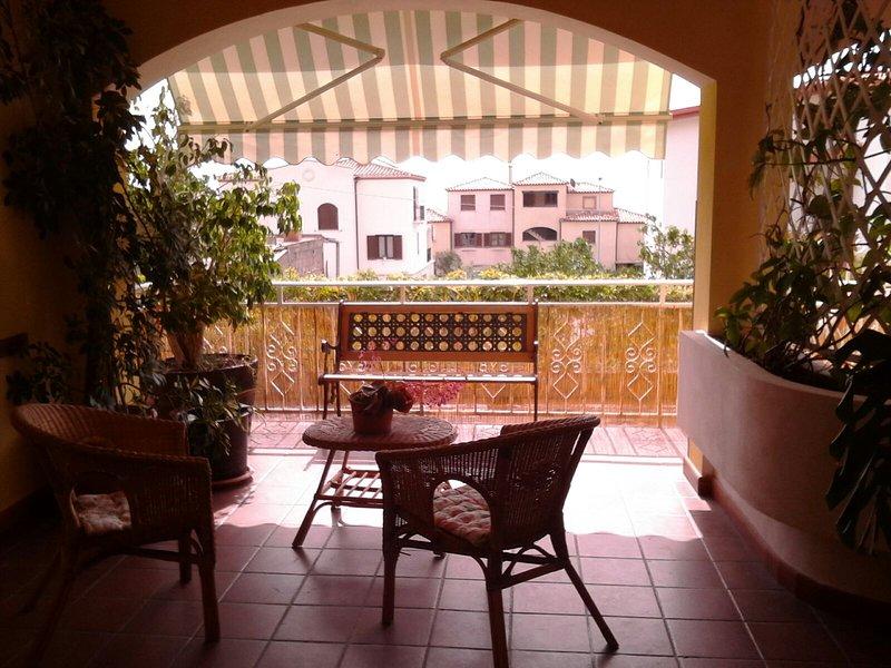 Appartamento con barbecue - 3 minuti dalla spiaggia, vacation rental in Baunei
