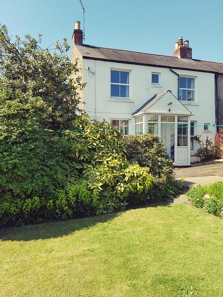 Character Cottage, holiday rental in Middleton Tyas