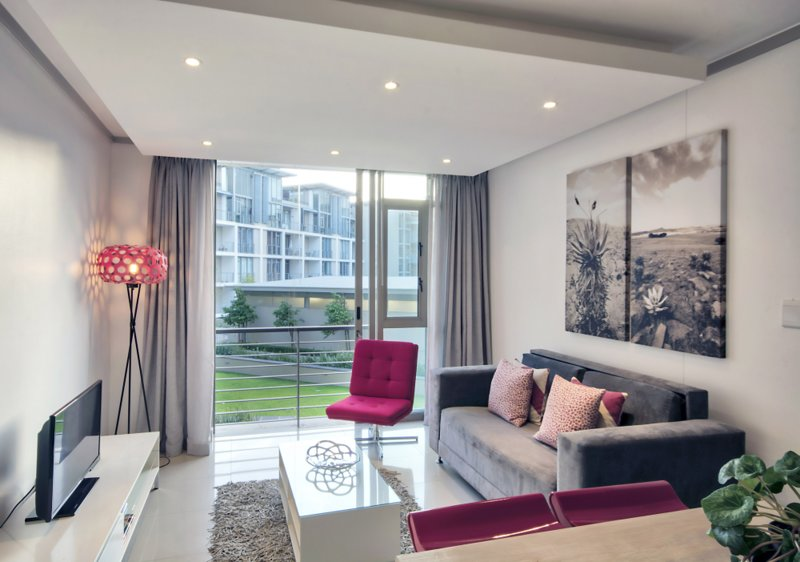 E205 Lounge/Satellite TV