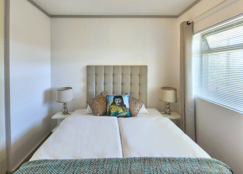 E 205 1 Bedroom Apartment/ Studio