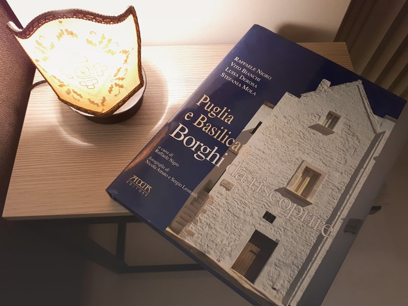 the residence has books informativisulla Puglia and Basilicata