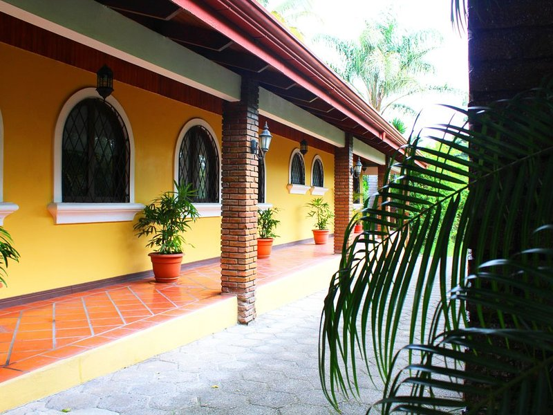 Casa Primo-Beautiful Villa – semesterbostad i Province of Heredia
