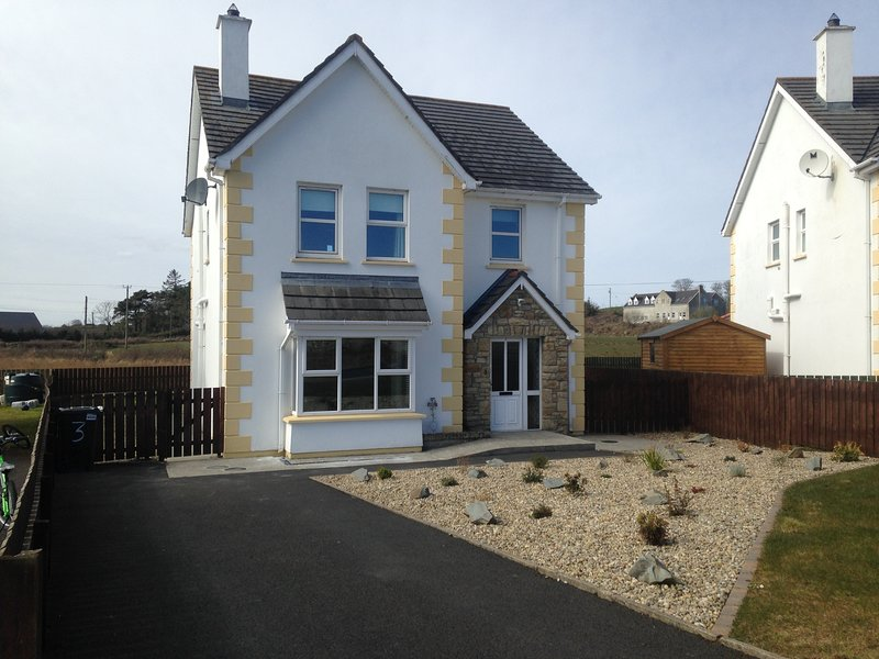 Holiday home in the picturesque village of Culdaff, only 10 minute drive to Ballyliffen Golf Club.