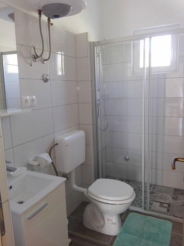 A3 - Bella vista 3 (2 + 1): baño con inodoro