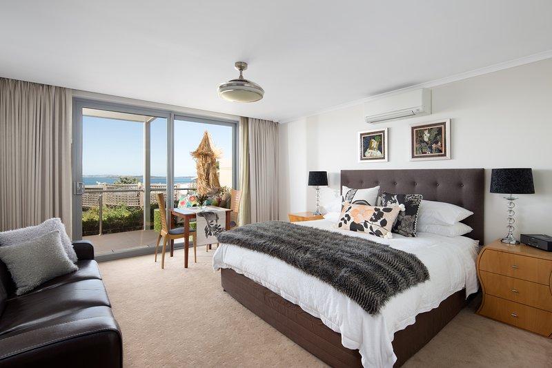 Luna Blu - Renovar Suite & Spa. Rhyll, Phillip Island.