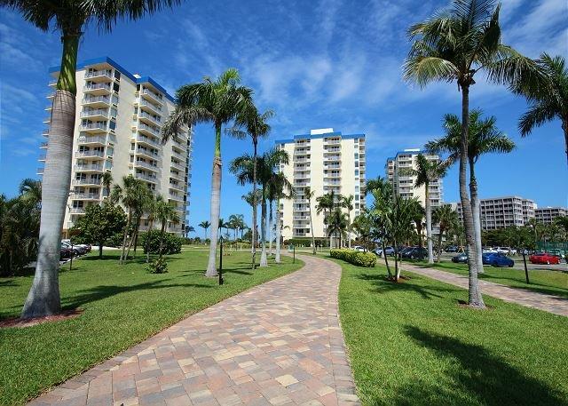 Estero Beach & Tennis Club #906B, holiday rental in Fort Myers Beach