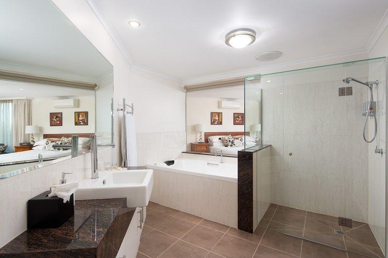 Luna Blu - Recharge Suite & Spa, Rhyll, Phillip Island