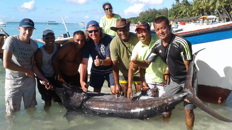 Raja pesquería de marlín 140 kgs