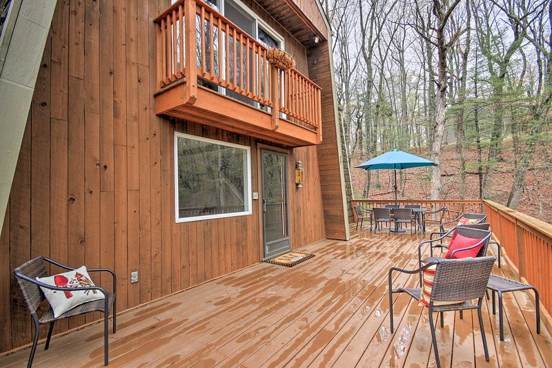 Make the most of outdoor living on the private deck.