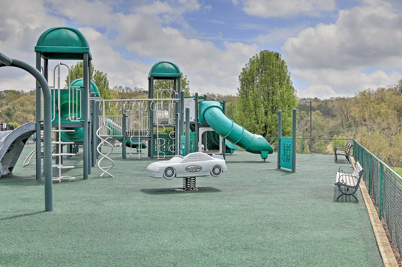 I tuoi bambini adoreranno sicuramente il parco giochi.