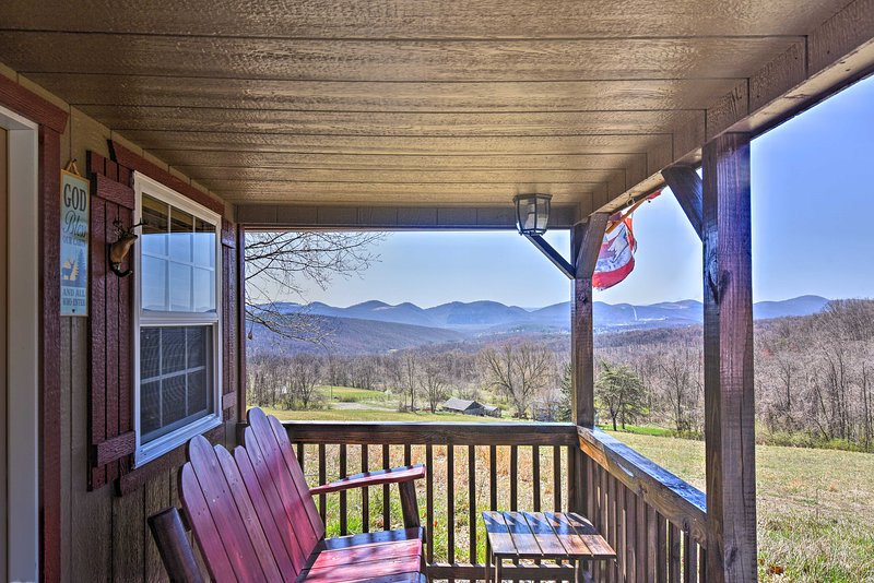 Cozy Cumberland Cabin in the Allegheny Mountains!, holiday rental in Cumberland