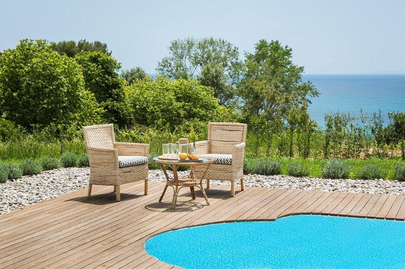 Beachfront Private Villa (Filon Ktima), location de vacances à Karavados