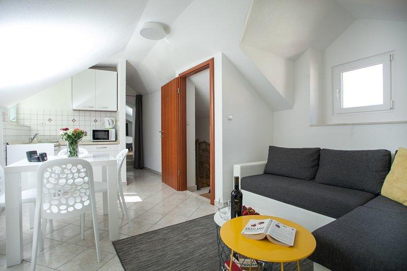 Apartamento Ivanka Trogir sala de estar