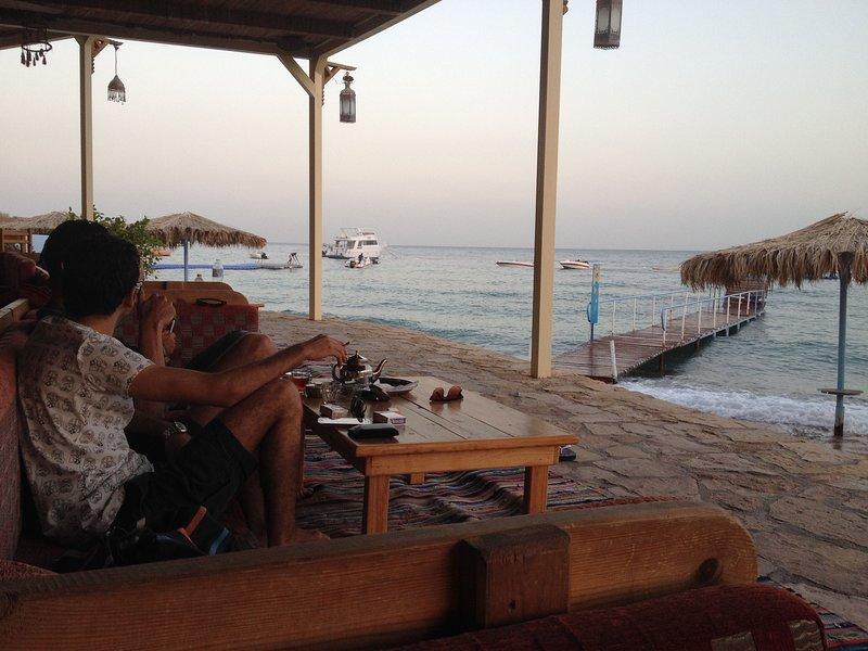 tienda beduina, lugar ideal para sentarse por la tarde con una bebida agradable