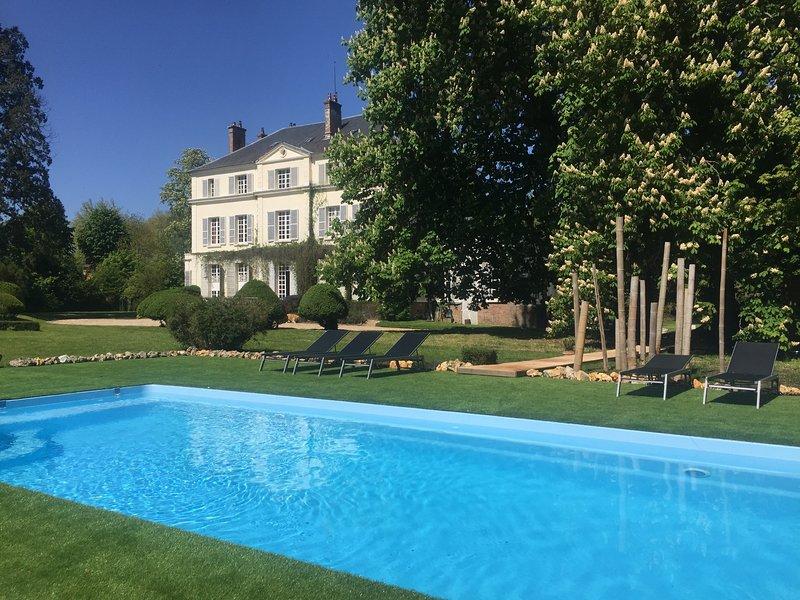 Une nouvelle piscine (10 m / 4 m) - 28 degrés