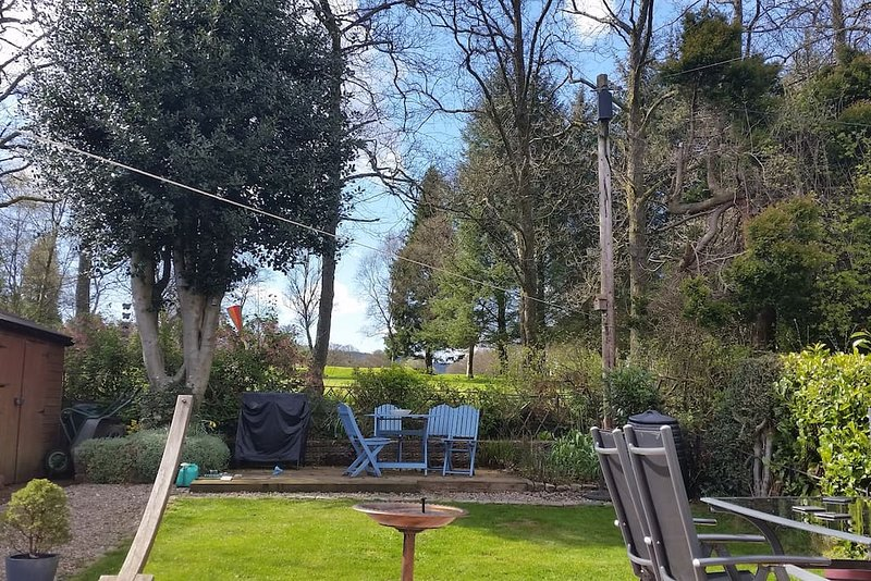 On the Way - perfect for the WHW and local area, holiday rental in Bearsden
