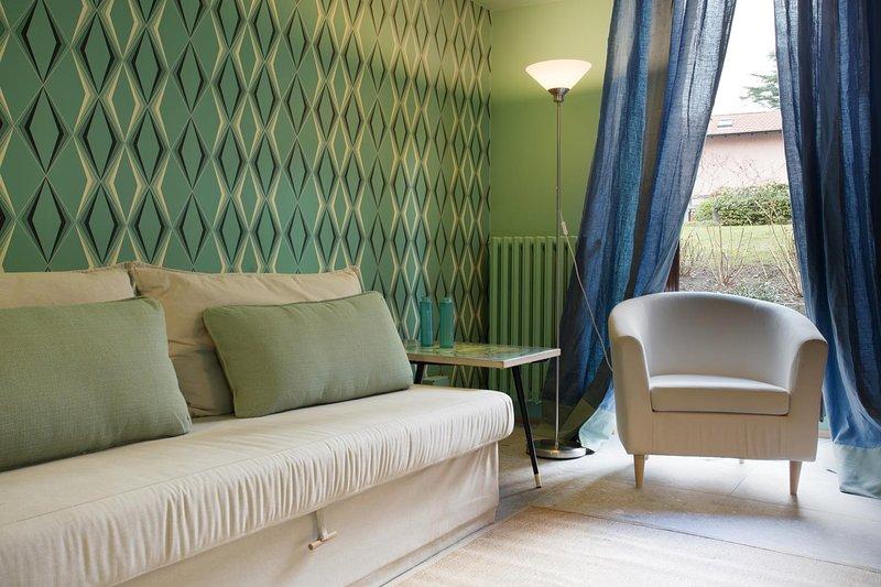 Domus Plinii 1972 Suites - Suite soppalcata al piano terra e giardino privato, holiday rental in Palanzo