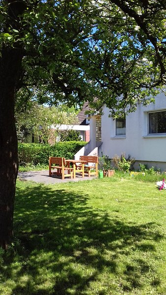 Family friendly self-contained garden apartment, vacation rental in Hamburg