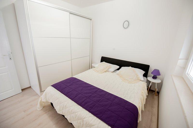 Apartment Top Hill - One Bedroom Comfort Apartment Near Dubrovnik, casa vacanza a Siroki Brijeg