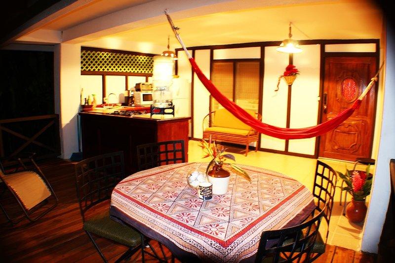 C3 Coral Jungle Beach Studio with AC, Ferienwohnung in Punta Uva