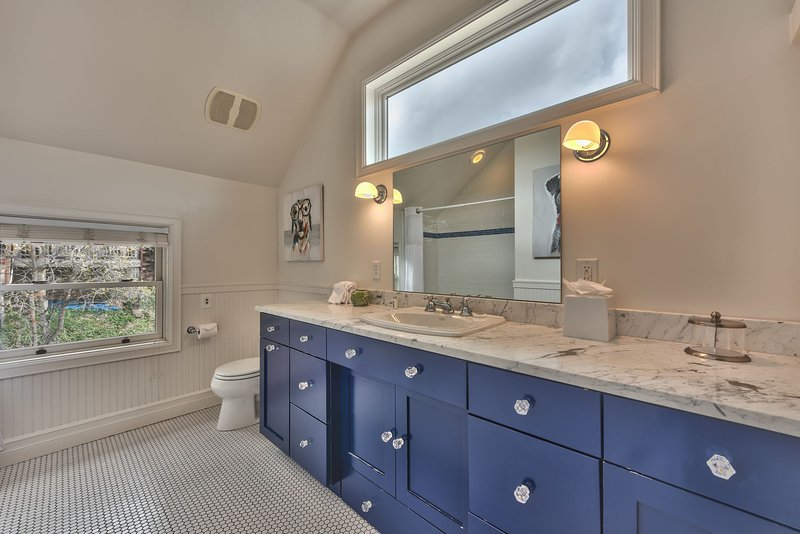 Upper Level Shared Bath with Tub and Shower