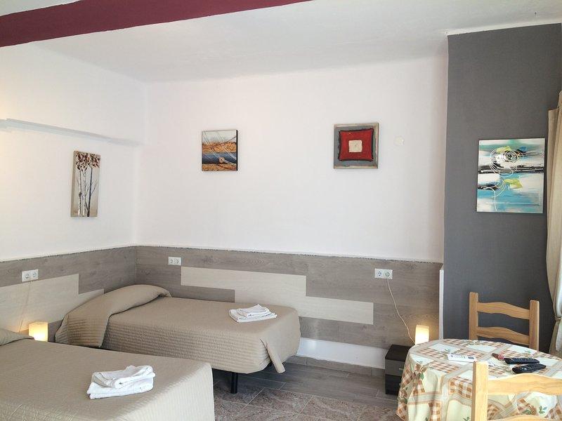 En suite studio in a charming villa No1, holiday rental in Torremolinos