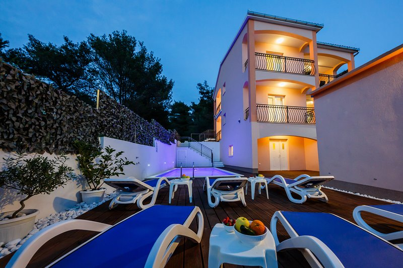 Villa Nora (heated pool and air condition in every room) island Čiovo Trogir – semesterbostad i Trogir