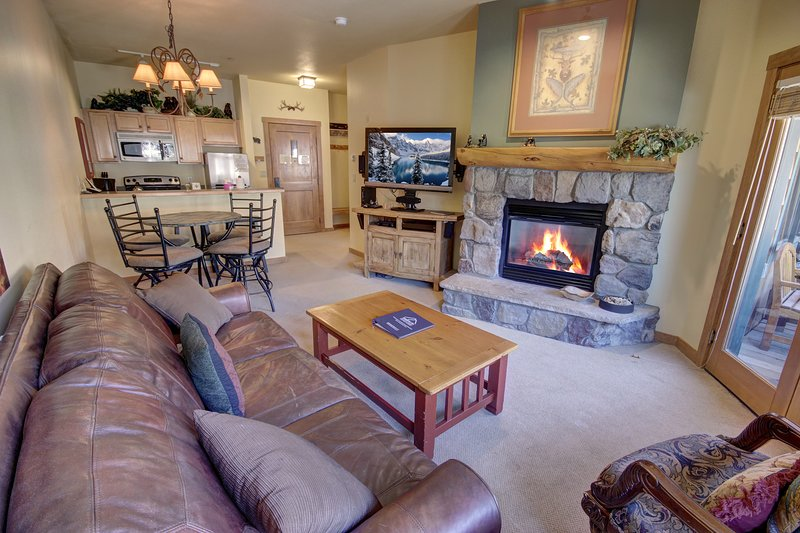 Attractive Arapahoe Lodge vacation condo!