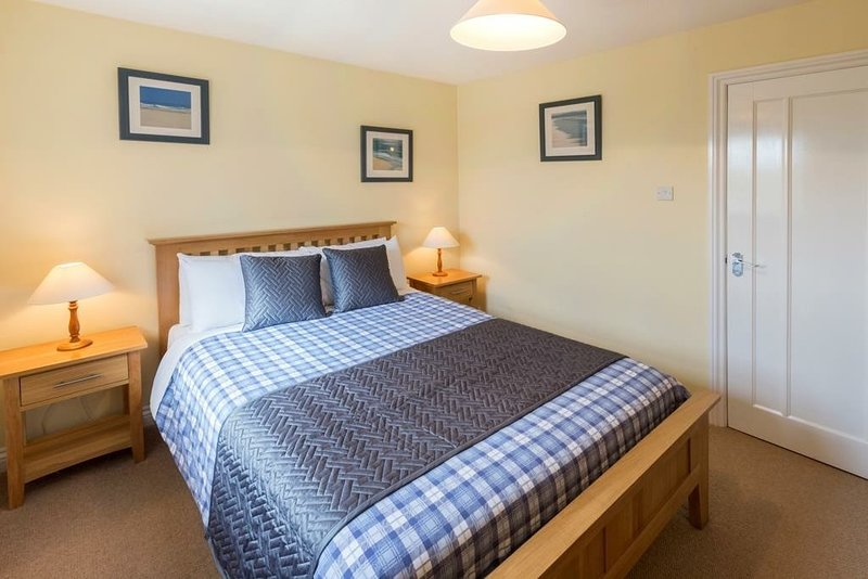 The Dairy is a beautiful cottage sleeping 4 people., holiday rental in Borth