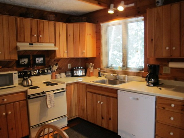 Fully equipped kitchen, including dishwasher