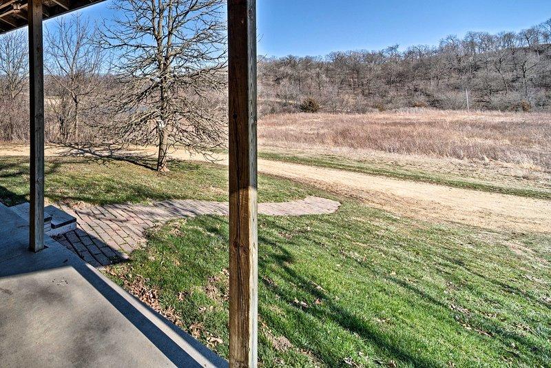 Cette propriété est située sur 200 acres pittoresques.