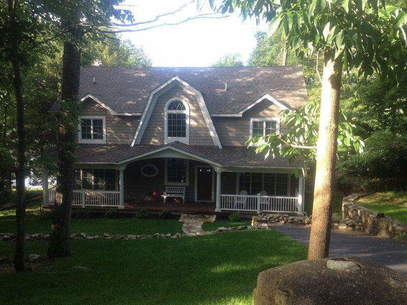 Spectacular Lake House