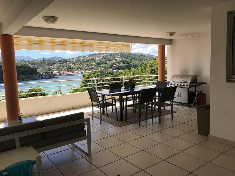 Spacious apt with sea view & garden, vacation rental in La Trinite