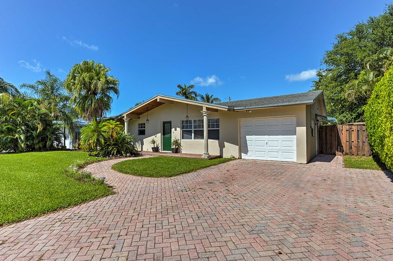 The best of Boca Raton is just outside your front door!