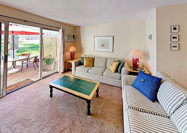 Ocean Edge Resort Condo on Golf Course w/ Pools, alquiler vacacional en Brewster