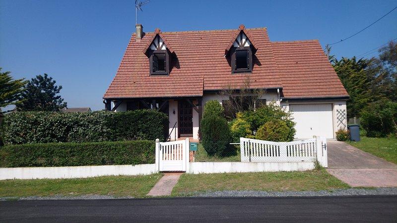 Villa bord de mer, location de vacances à Biéville-Beuville