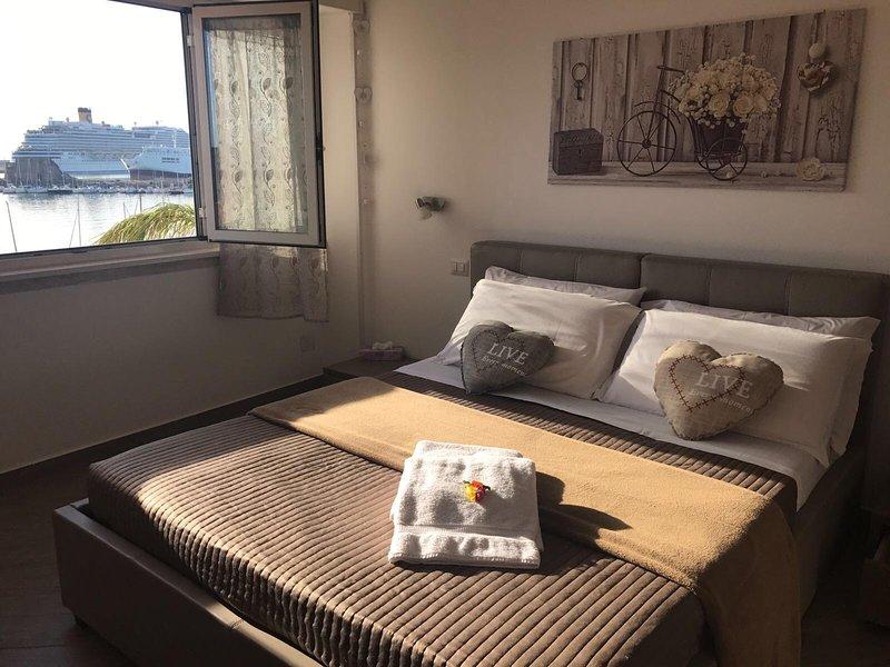 LA CASA DEL PORTO, delizioso appartamento fronte mare, location de vacances à Civitavecchia