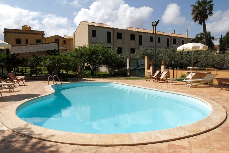 Beautiful house with shared pool, location de vacances à Guarrato