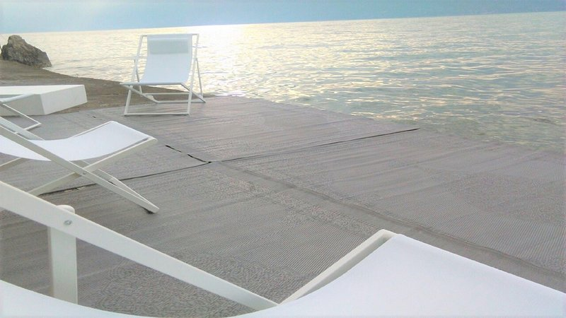 Playa privada con acceso directo al lago