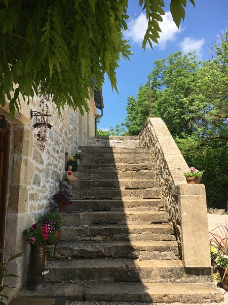 Traditional Stone Gite, holiday rental in Ginals
