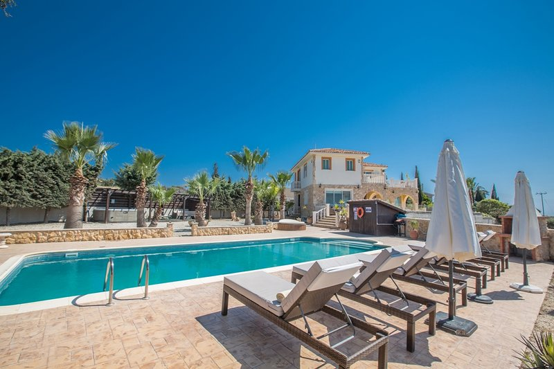 Panorama Luxury Villa, Free Wifi, Private Pool, Amazing Views, Table Tennis, Gym, vacation rental in Famagusta District