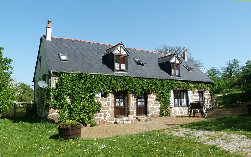 Le Tertre Cottages (Yellow meest rechtse)