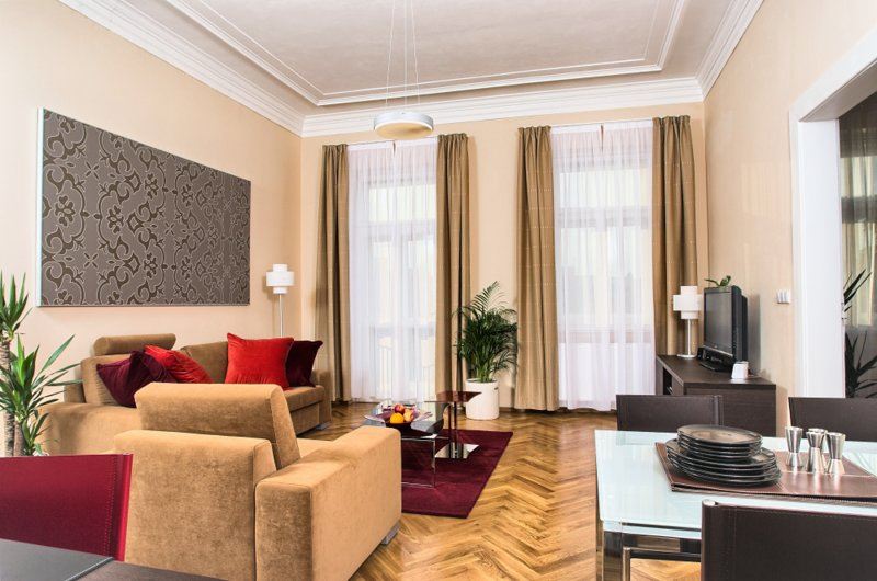 Comfortable living area with dining seating for 4 people