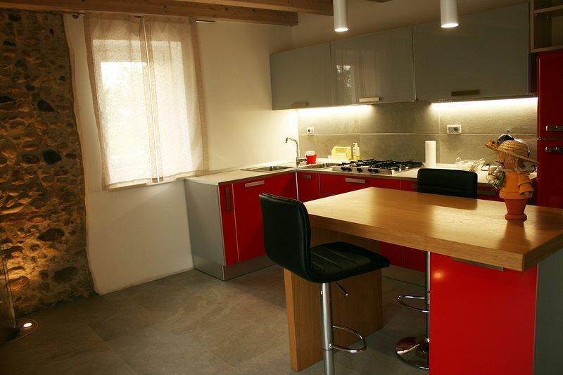 cocina grande, moderna y funcional