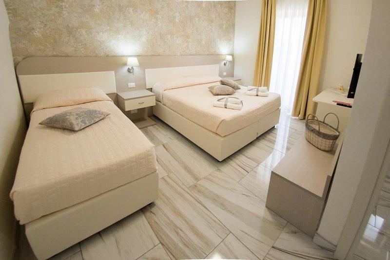 Rome Airport Inn (Vecchia Torre), vacation rental in Focene