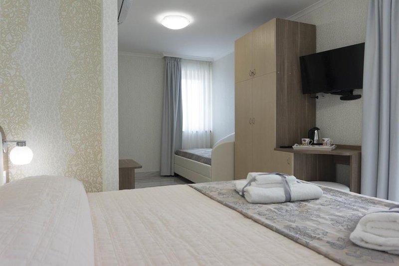 Rome Airport Inn (Torre Clementena), vacation rental in Focene