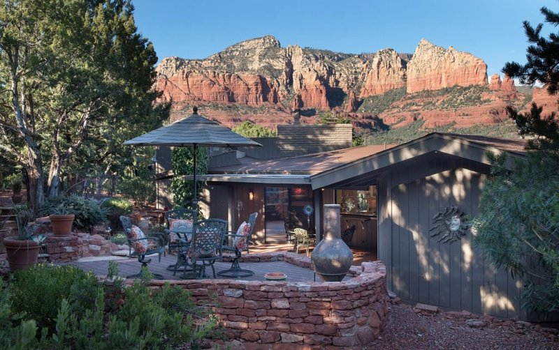 Panoramic red rock views from every angle of the house.